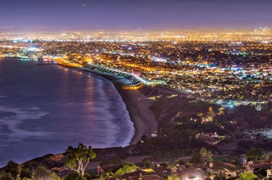 city_coastline_night_550x364